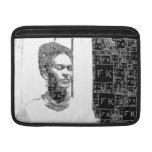 Retrato blanco y negro de Frida Kahlo Fundas MacBook