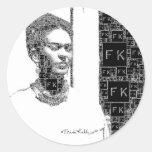 Retrato blanco y negro de Frida Kahlo Pegatina Redonda
