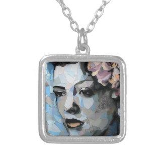 Retrato contemporáneo de Billie Holiday con una Colgante Cuadrado