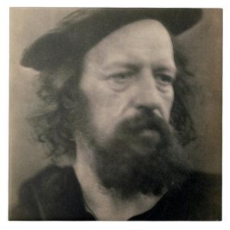 Retrato de Alfred, señor Tennyson (1809-92) (b/W.P Azulejo Cuadrado Grande