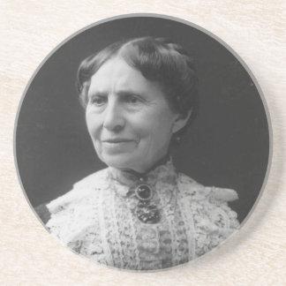 Retrato de Clara Barton más adelante en vida Posavasos Diseño