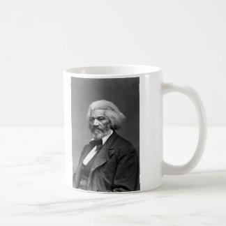 Retrato de Frederick Douglass de George K. Warren Taza Básica Blanca