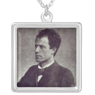 Retrato de Gustav Mahler, 1897 Colgante Cuadrado
