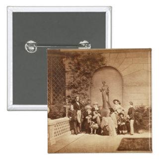 Retrato de la familia real en la casa de Osborne,  Pin Cuadrada 5 Cm