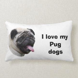 Retrato de la foto del mascota del perro del barro almohada