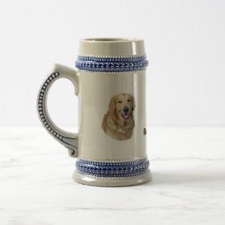 Retrato de la foto del perro del golden retriever jarra de cerveza