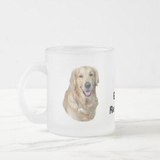 Retrato de la foto del perro del golden retriever taza de cristal