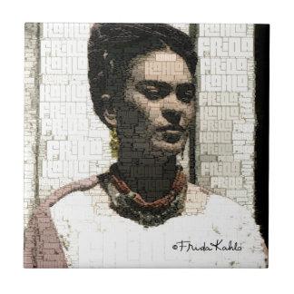 Retrato de la materia textil de Frida Kahlo Azulejo Cuadrado Pequeño