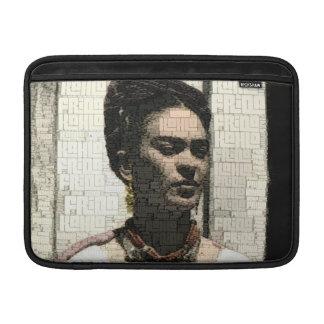 Retrato de la materia textil de Frida Kahlo Fundas Para Macbook Air