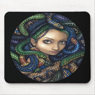 """Retrato de la medusa"" Mousepad"