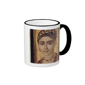 Retrato de la momia de una mujer, de Fayum, Romano Tazas De Café