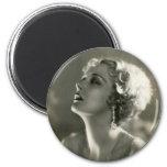 Retrato de la mujer del vintage imán redondo 5 cm