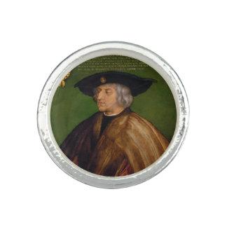 Retrato de Maximiliano I de Albrecht Durer Anillos