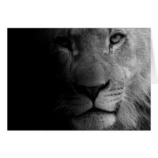 Retrato de motivación blanco negro del león de la tarjeta de felicitación