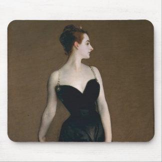 Retrato de señora X de John Singer Sargent, 1884 Mousepad