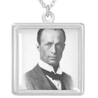Retrato de sir Douglas Mawson Colgante Cuadrado