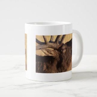 Retrato de un clarín taza grande