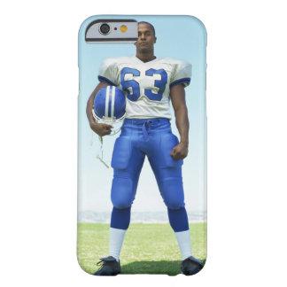 retrato de un futbolista que celebra un fútbol funda de iPhone 6 barely there