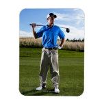 Retrato de un golfista en un día soleado imán