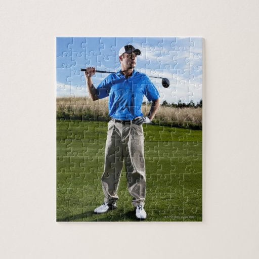 Retrato de un golfista en un día soleado rompecabeza