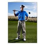 Retrato de un golfista en un día soleado tarjeta de felicitación