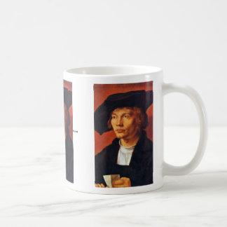 Retrato de un hombre joven de Albrecht Dürer Taza De Café
