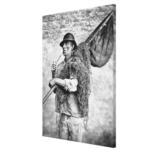 Retrato de un pescador que lleva sus redes (pho de lona envuelta para galerías