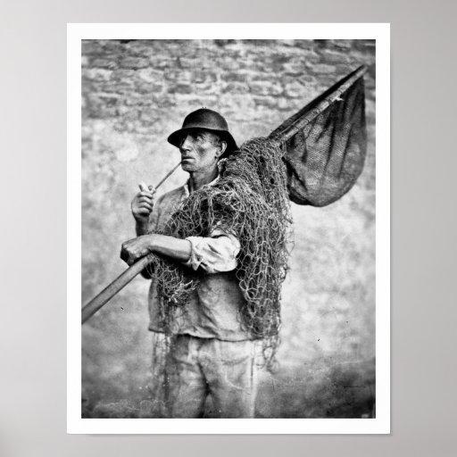Retrato de un pescador que lleva sus redes (pho de impresiones