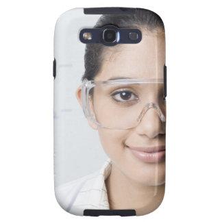 Retrato de un técnico de laboratorio de sexo femen galaxy SIII protectores