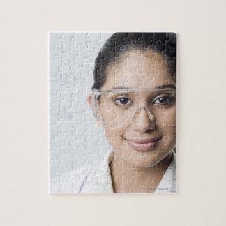 Retrato de un técnico de laboratorio de sexo femen rompecabezas