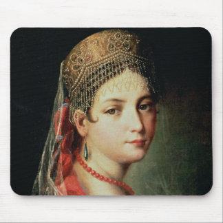 Retrato de una chica joven en Sarafan y Alfombrillas De Ratón