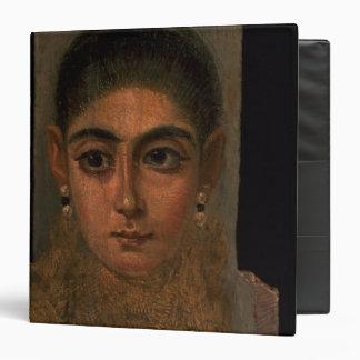 """Retrato de una mujer que lleva un oro pectoral, carpeta 1 1/2"""""""
