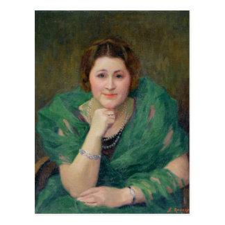 Retrato de una mujer rusa con una bufanda verde postales