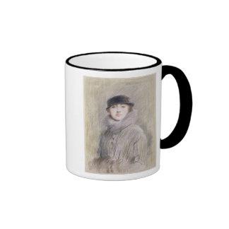 Retrato de una señora con un cuello y un manguito  tazas