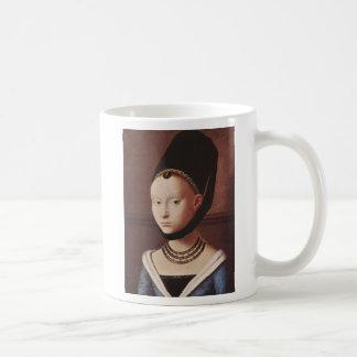 Retrato de una taza de la chica joven