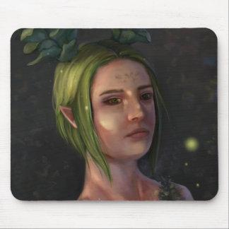 Retrato del chica del duende de la fantasía en mouse pads