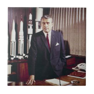 Retrato del doctor Wernher von Braun Azulejo Cuadrado Pequeño