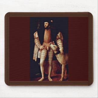 Retrato del emperador Charles V con el perro por T Alfombrillas De Ratones