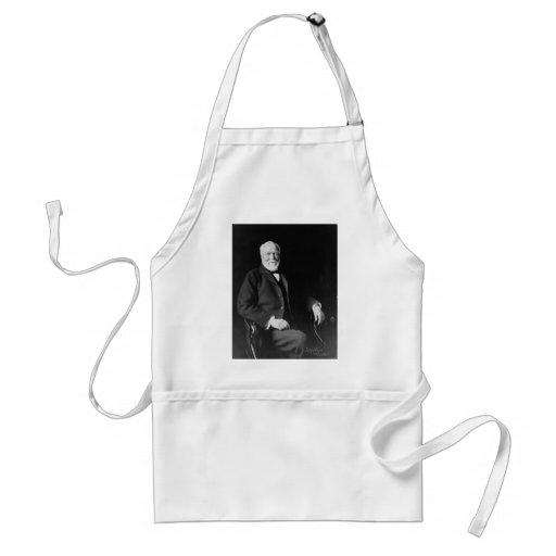 Retrato del filántropo Andrew Carnegie Delantal