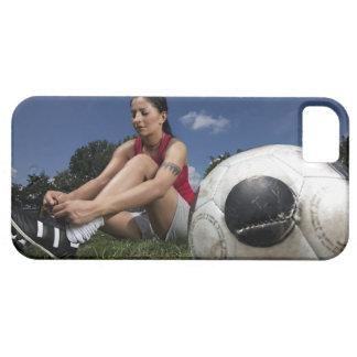 retrato del futbolista femenino que la ata iPhone 5 protectores
