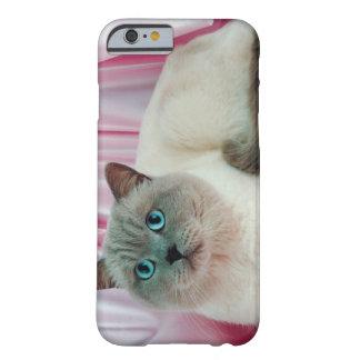 Retrato del gato 4 funda de iPhone 6 barely there