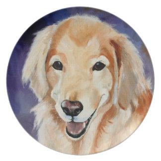 Retrato del mascota del golden retriever plato para fiesta
