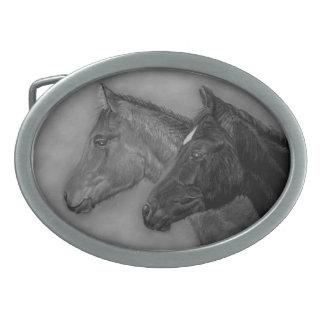 Retrato del potro de la castaña del potro del negr hebillas de cinturon ovales