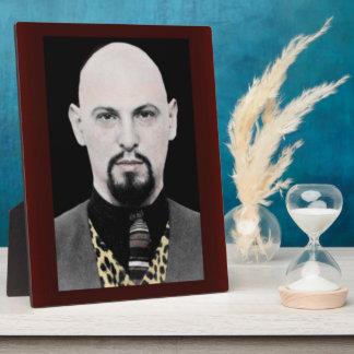 Retrato del Stand-up de Anton LaVey 8x10 Placa De Madera