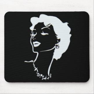 Retrato francés blanco y negro de la cara de la mu mouse pad