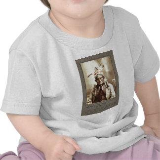 Retrato indio de Geronimo del líder de Chiricahua Camisetas