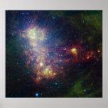 Retrato infrarrojo que revela las estrellas y el póster