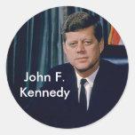 Retrato oficial de JFK del public domain Etiqueta Redonda