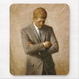 Retrato oficial de John F. Kennedy de Aaron Shikle Mousepads