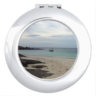 Retreat_For_The_Weekend, _Compact-Mirror. Espejo De Maquillaje